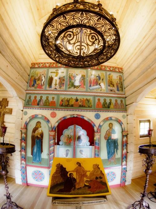 Деревянный храм свв. Жен Мироносиц в Гамбурге