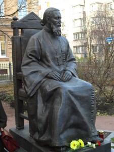 Памятник св. прав. Иоанну Кронштадтскому в Кронштадте