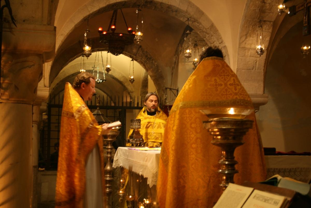 у храма православные знакомства