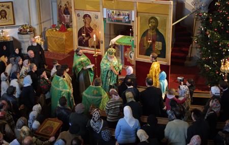 Первая Литургия в храме св. прав. Иоанна Кронштадтского в Гамбурге