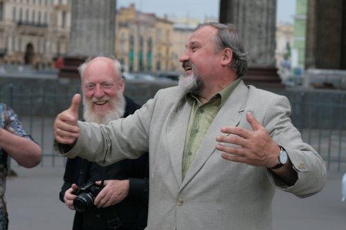 Вот так обнимает Казанский Собор всех проходящих