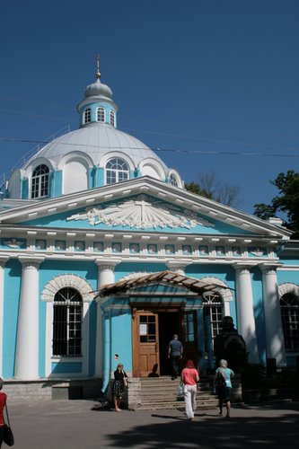 Смольный храм на Смоленском кладбище
