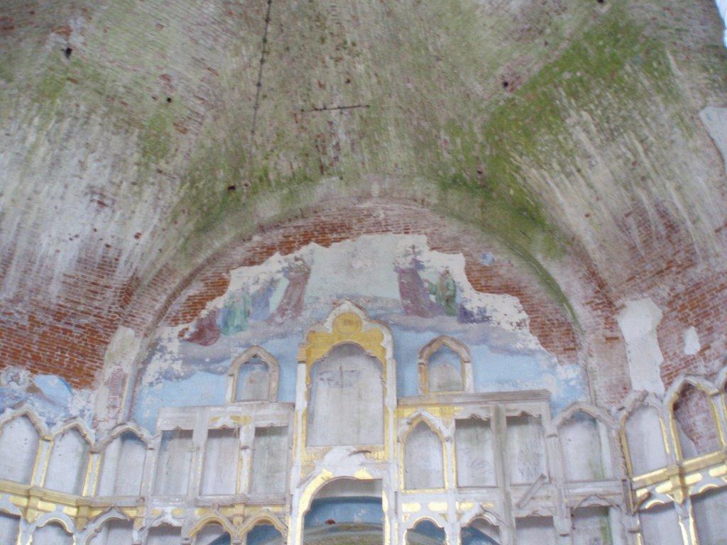 Успенский храм в Артемие-Веркольском монастыре.